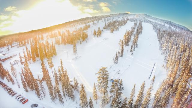iso-syote-lumimaa-kopteri-2015-web_niko-haggman