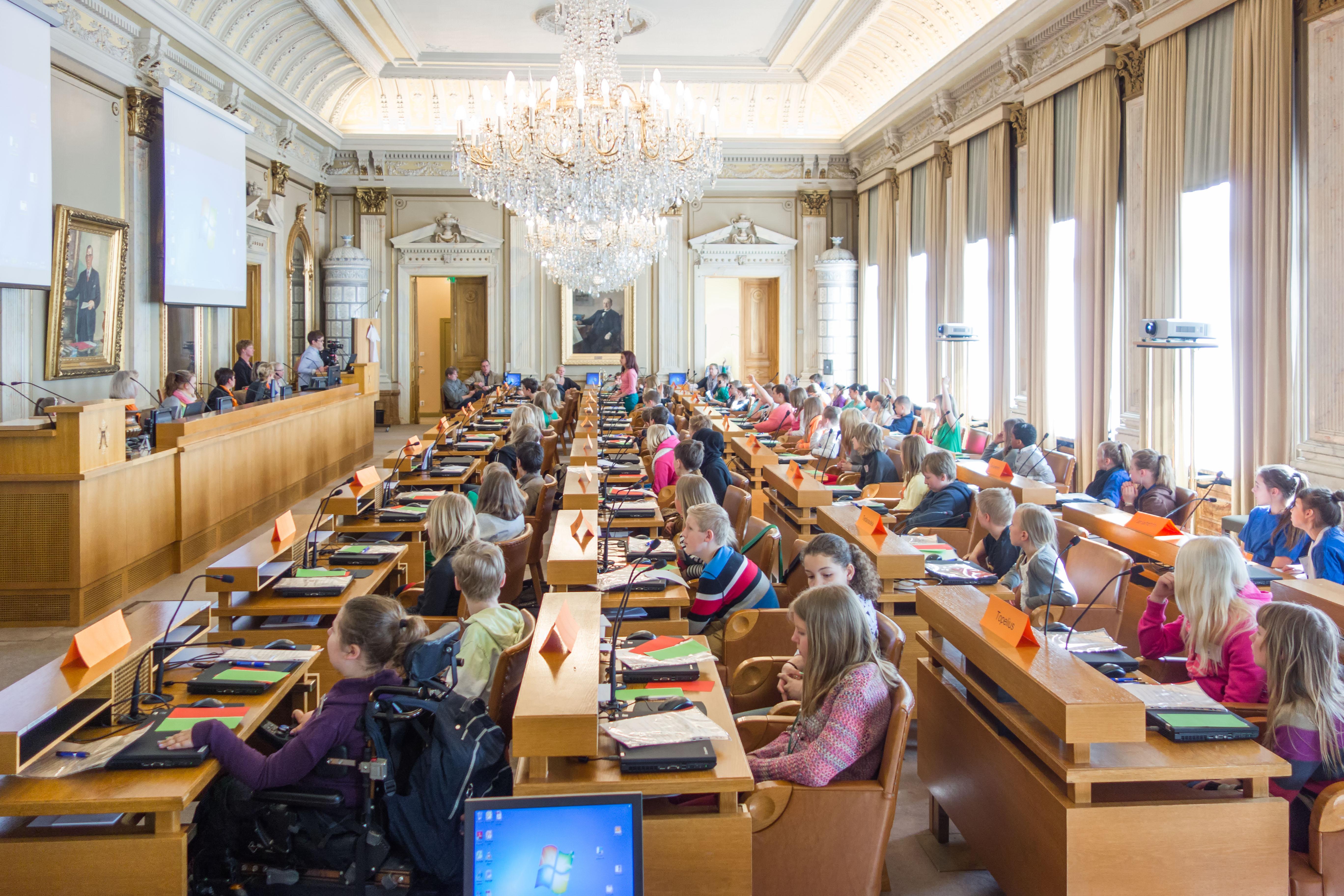 Lasten parlamentin suurkokous käynnissä
