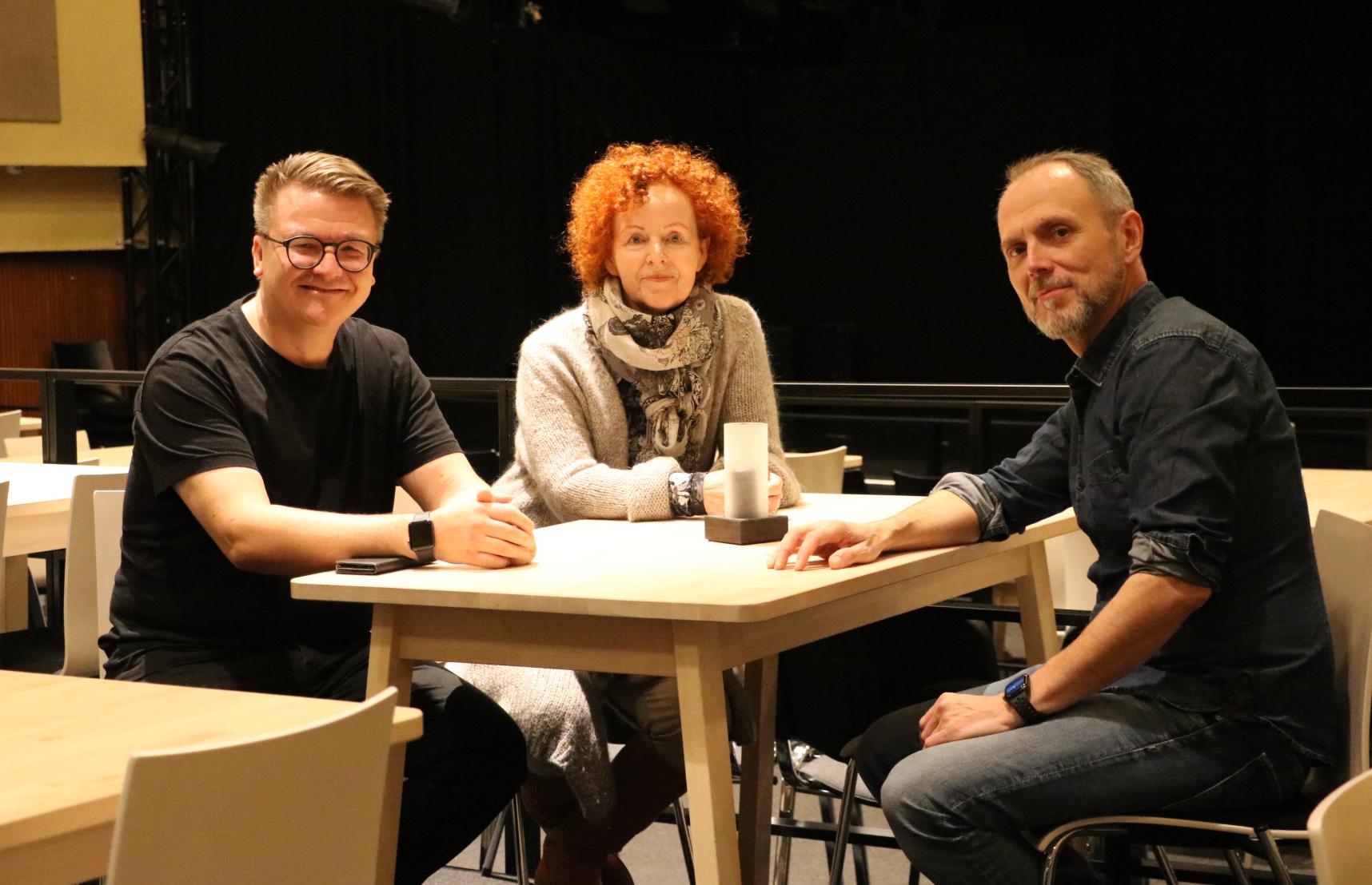 Jussi Vahvaselkä (vas.), Maija Palonheimo ja Markko Heinonen