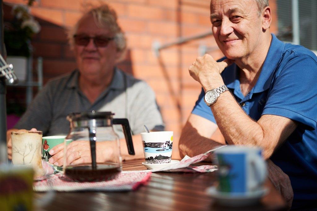 Vanhat ja ikääntyvät ihmiset tulee nähdä oman elämänsä toimijoina ja yhteiskunnan voimavarana