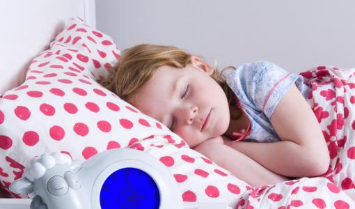 Sleeptrainer Sam gives children and parents 45 minutes more sleep.
