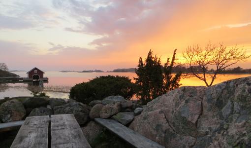 Saaristomeren kansallispuistossa vapaaehtoisia saariemäntinä ja –isäntinä
