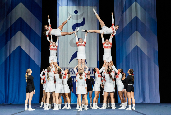 helsinki-athletics-cheerleaders-elite.jpg