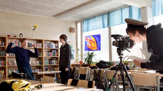 taiteilija-koulussa-2011_kuva-miikka-kiminki_mg_9134_11881_annantalo_55447.jpg
