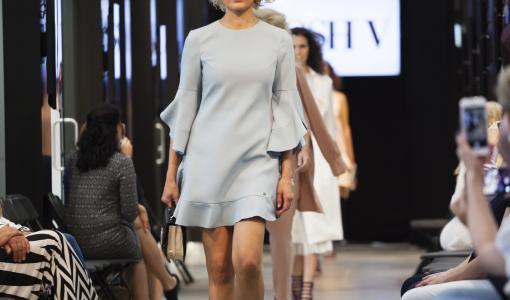 Ensi kevään ja kesän muoti esittäytyi Fashion Centerissä