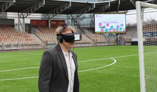 Suomen ensimmäinen virtuaalinen jalkapalloelämys tänään Telia 5G-areenalla – uusi teknologia muuttaa katsojakokemusta
