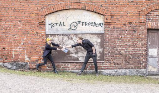 """Yrittäjäkaksikko laittoi koko elämänsä likoon luovuuden puolesta – """"Aiomme nostaa Suomen luovuuden ykkösmaaksi"""""""