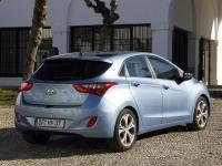 Hyundai_i30_takaviisto_lowres.jpg