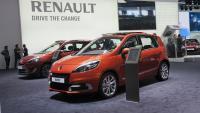 Renault_Scenic_etuviisto.jpg