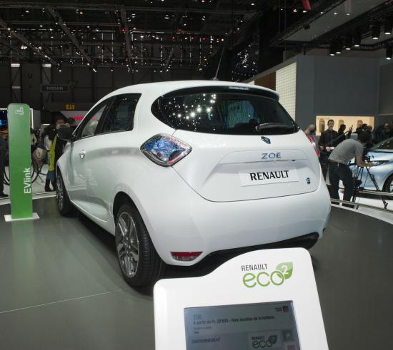 Renault_ZOE_takaa.jpg
