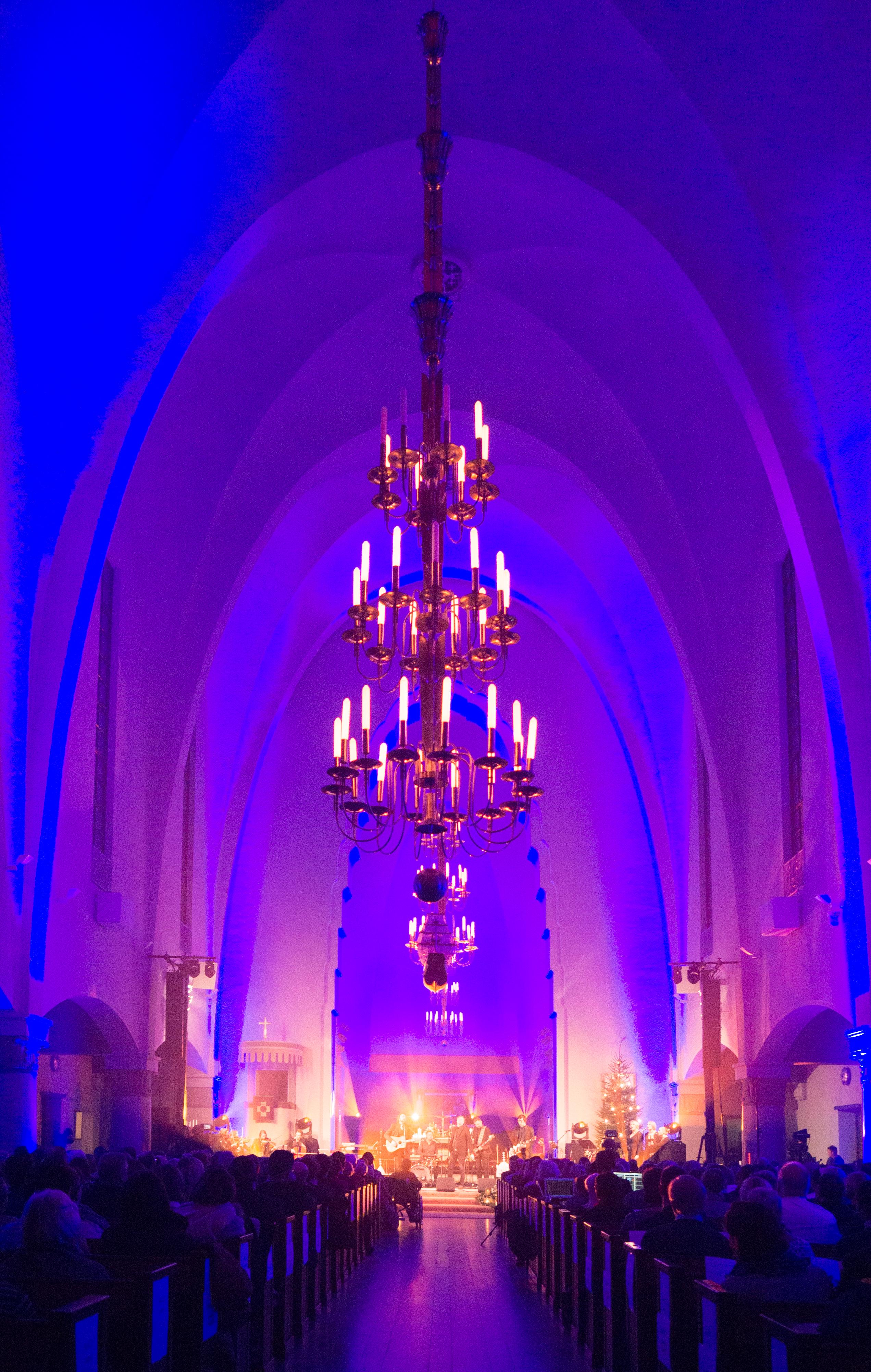 joulun tähdet 2018 - helsinkimission kynttiläkonsertti Joulun tähdet 2017 –konsertissa mm. Katri Helena, Pepe Willberg ja  joulun tähdet 2018 - helsinkimission kynttiläkonsertti