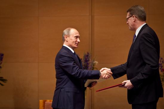 1302253149-suomen-paaministeri-matti-vanhanen-ja-venajan-paaministeri-vladimir-putin-ensimmaisessa-eu-venaja-innovaatiofoorumissa-lappeenrannassa-27.5.2010.jpg