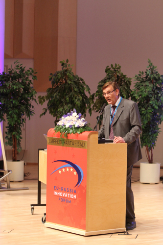 1306330454-general-director-of-tekes-veli-pekka-saarnivaara-spoke-at-the-forum-on-25.5.2011.jpg