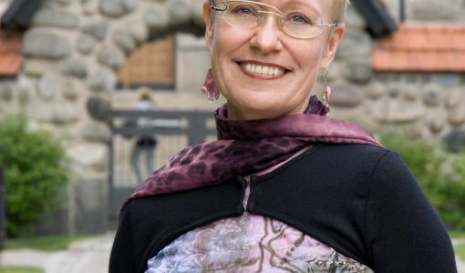 Johanna Sinisalon Vieraat voitti Kariston kauhuromaanikilpailun