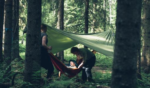 Lähes 130 000 suomalaista nukkui yönsä ulkona