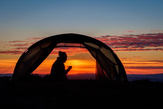 teltta-siluetti-kuvaaja-sampsa-sulonen.jpg