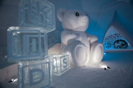 snowvillage_picture2.jpg