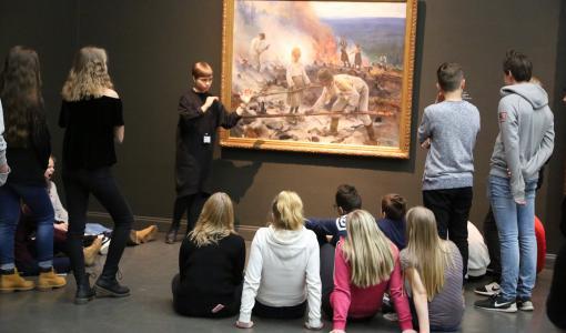 Kulttuurin jättihanke purkaa ennakkoluuloja viemällä nuoret taiteen pariin