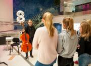 Konsttestarnas nya kulturmål valda – 60 000 ungdomar åker på konstexkursion