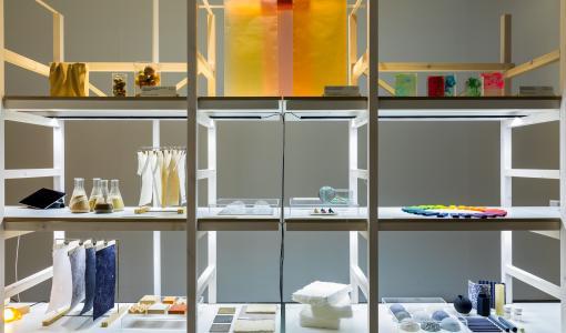 Designmuseo etsii avoimen haun kautta materiaalia ja materiaalisuutta käsittelevää näyttelyä