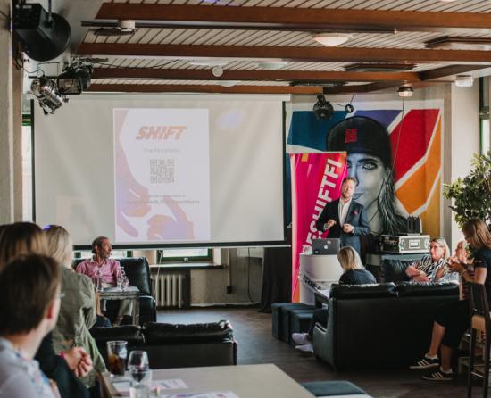 shift-manifesto-lisa-mcwhirter.png
