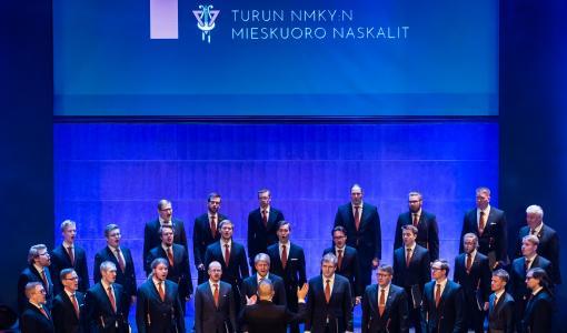 Laulu kantaa aikain taa - Turun NMKY:n Mieskuoro 100 vuotta