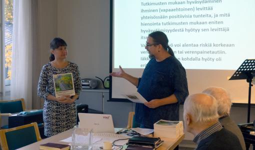 Maahanmuuttajapalvelut sillanrakentajana suomalaiseen yhteiskuntaan