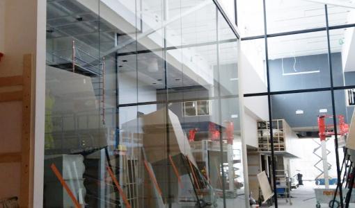 Scanmikael Oy toteuttaa ABB Vaasan tuotantotilat massiivisilla 7 m korkuisilla laseilla