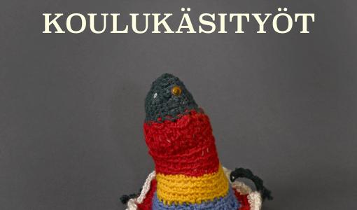 Hellyttävän kamalaa taidetta koulun käsityötunneilta – uutuuskirja suomalaisen muotoilun alkuiduista