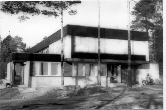 kankaanpaan-kaupunginmuseon-kuva-arkisto-laakarintalo-rak.-1964..png