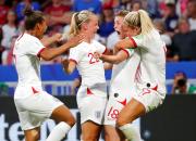 Historiallinen naisten jalkapallo-ottelu Englanti - Saksa Viaplayssa ja Viafreessa