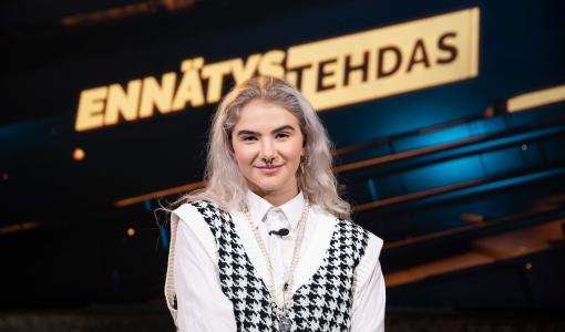 Suomen tunnetuimpia tubetähtiä Ennätystehtaan uudella kaudella