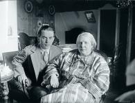 henry-och-maria-parland-i-grankulla-pasken-1930.-okand-fotograf.-svenska-litteratursallskapet-i-finland-henry-parlands-arkiv.jpg