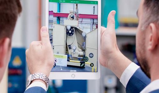 Lisättyä todellisuutta hyödyntävä EcoStruxure Augmented Operator Advisor helpottaa kunnossapito- ja huoltotoimenpiteitä