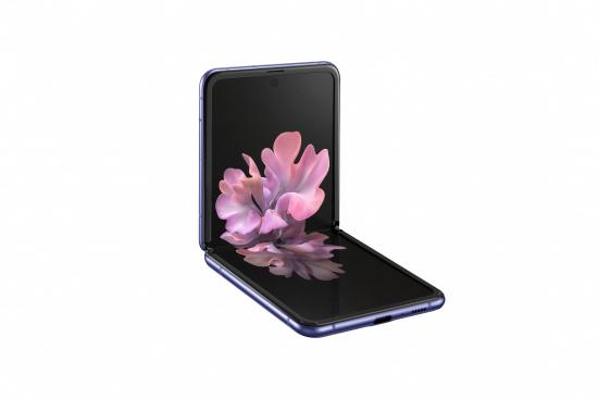 sm_f700f_galaxy-z-flip_l30-table-top_purple-mirror_191224.jpg