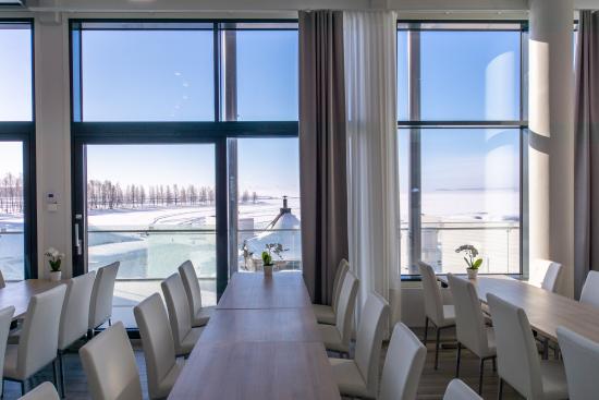 lumihiutale-nakoalaravintolasta-on-lapin-paras-merinakoala.jpg