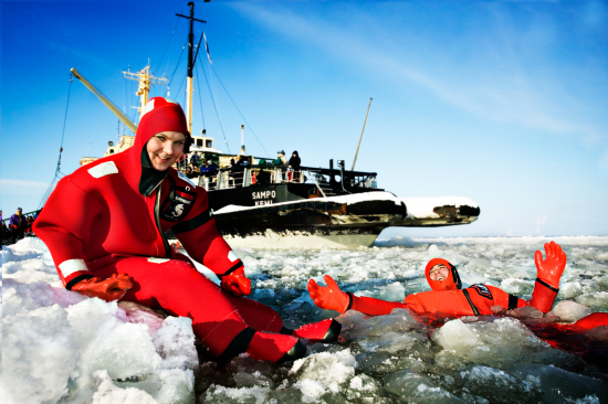 ice-floating-is-an-amazing-experience-during-the-icebreaker-sampo-cruise.jpg
