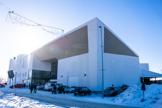lumilinna-alueen-paarakennus-ympaivuotisine-palveluineen-avattiin-talvella-2019.jpg