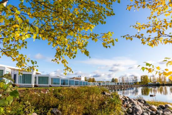 autumn-time-in-seaside-glass-villas-kemi.jpg