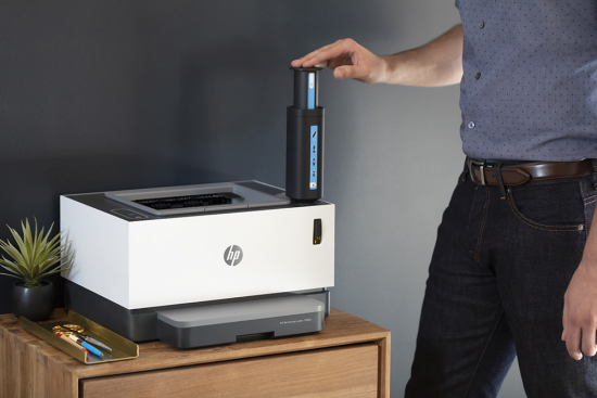hp-neverstop-being-filled-with-hp-toner-reload-kit-lowres.jpg