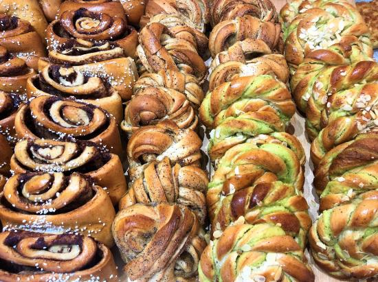 kotimaisia-leipomotuotteita.jpg