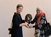 Setukaisrunolaulaja Miku Oden pronssiveistos Eesti Rahva Muuseumille