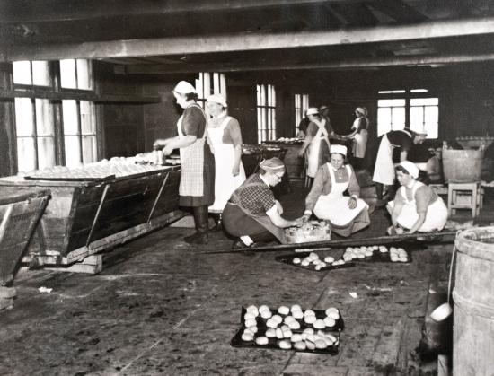 lottajarjesto-oli-vuosina-1921-1944-toiminut-naisten-vapaaehtoinen-yhteiskunnallinen-huoltojarjesto.jpg