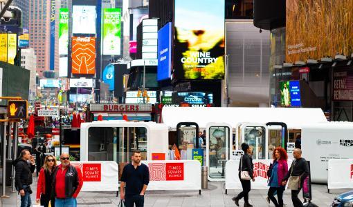 Framery valloittaa nyt Times Squaren – suomalaiset puhelinkopit haluttiin osaksi New York Design Week -tapahtumaa!