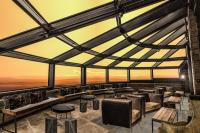 hotel-levi-panoraman-seitsemannen-kerroksen-baarin-lasitettu-laajennus-gold-digger-sky-lounge.jpg