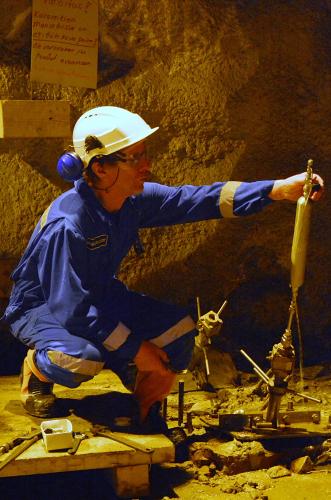 naytteenottoa-pyhasalmen-kaivoksessa-kuvaaja-arto-pullinen-gtk.jpg