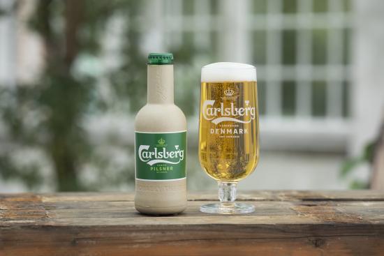 green-fibre-bottle-prototype-with-carlsberg-pilsner.jpg