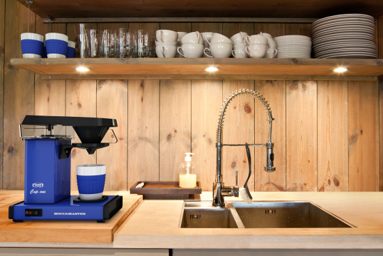moccamaster_kitchen_horizontal_royalblue.jpg
