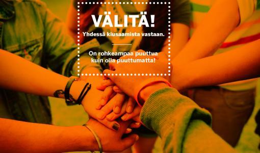 Oululaisessa koulussa pilotoidaan Välitä! -kampanjaa – koulukiusaamista ehkäisemässä Lindströmin isät ja äidit