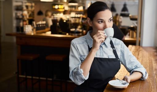 Lindström tukee vaikeuksissa kamppailevia ravintoloita ilmaisella työvaatepalvelulla